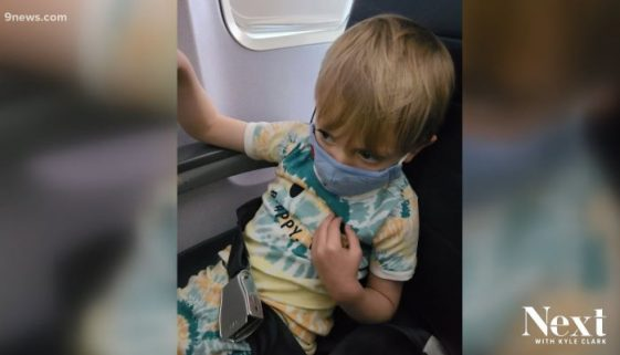family-kicked-off-plane-wearing-masks