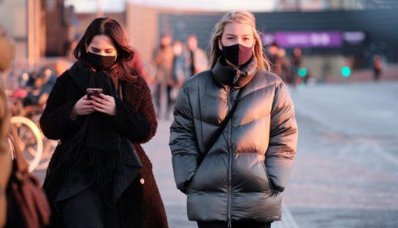 people-wearing-masks