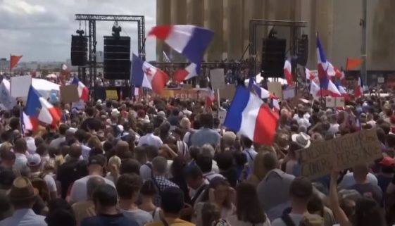 french-protesters-reject-virus-passes-vaccine-mandate