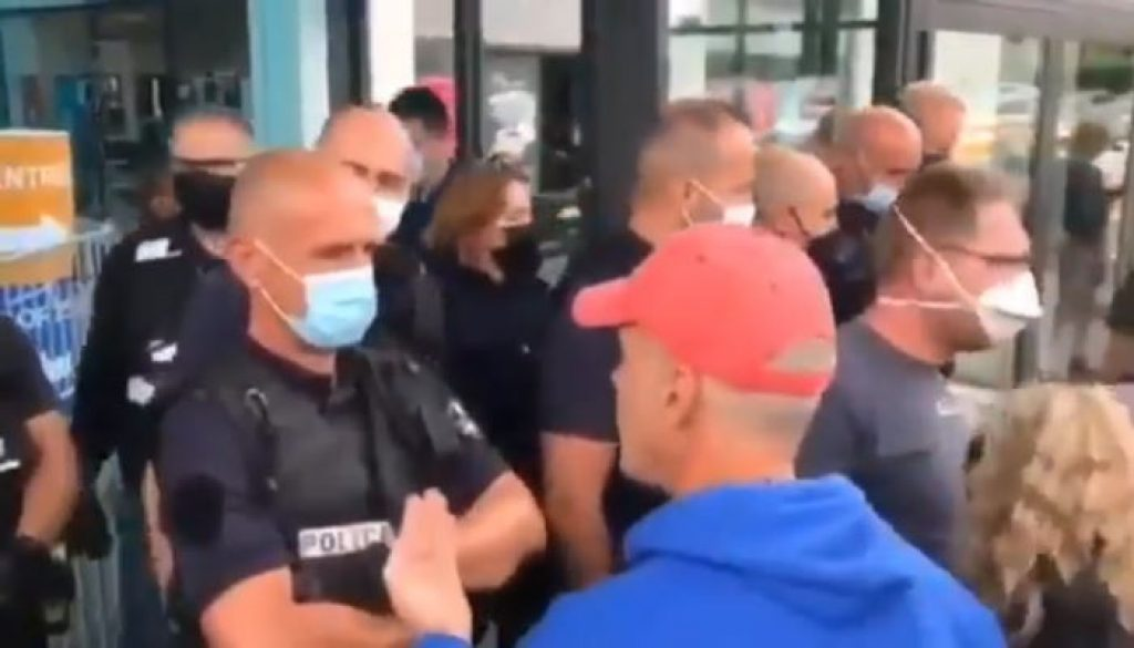 vax-passport-protests-in-france